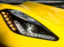 2015-Chevrolet-Corvette-Z06-headlamp